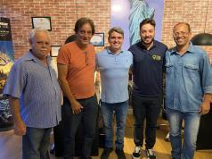 #NovosComércios - Diretores da #Aciesv marcaram presença na inauguração da agência Turismo e Viagens Pelo Mundo, na Rua Frei Gaspar, 931- Conjunto 61. Bem-vindos!