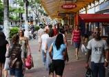 Lojas de rua e bom atendimento serão escolhas dos consumidores vicentinos no Dia dos Namorados