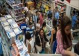 Consumidor está menos pessimista, mas mantém cautela