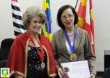 Presidente da ACIESV, Regina do Carmo, recebe homenagem da Academia Vicentina de Letras, Artes e Ofícios