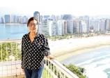 Associação Comercial de São Vicente entrega Troféu Visconde de Mauá à proprietária do Restaurante Terraço, Martha Haddad
